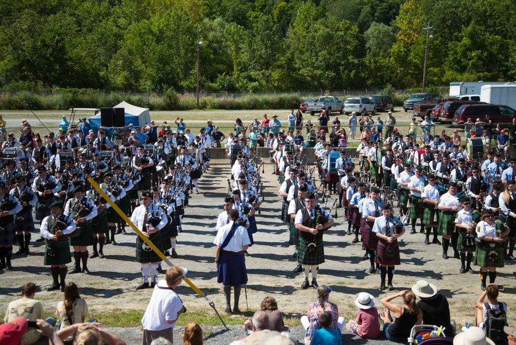 Opening Massed Bands (©CDSG/SPB)