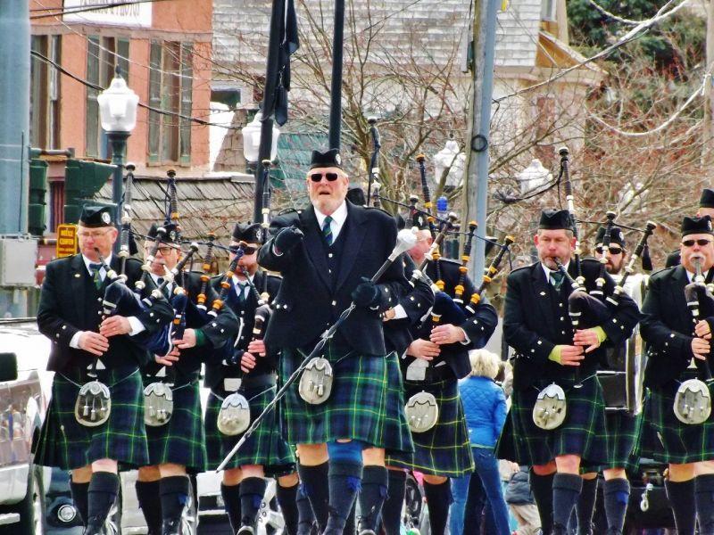 SPB on the march.  Lake George, NY St. Patrick's Day Parade.  (G. Burdett ©2016)